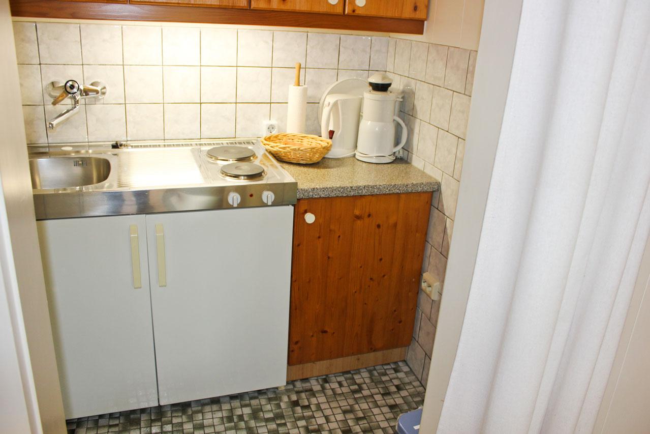 """Küche der Ferienwohnung """"Bachstelze"""" im Zentrum von Büsum an der Nordsee"""
